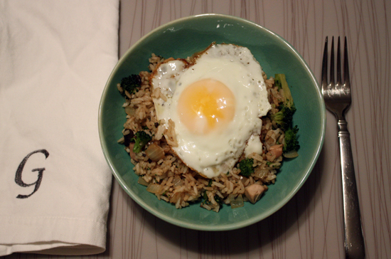 egg-on-fried-rice.jpg