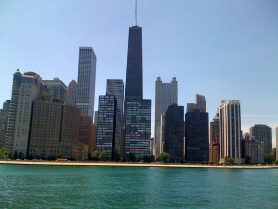 boat-chicago-skyline.jpg