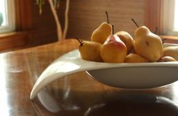 Pears-in-bowl