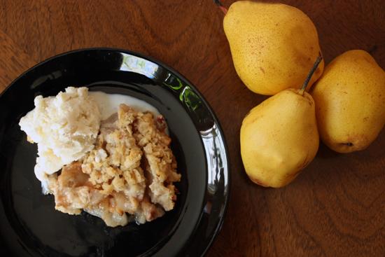 pear-maple-pecan-crisp