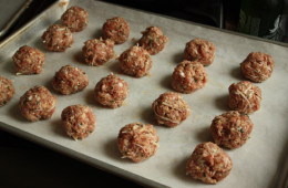 turkey-meatballs-raw