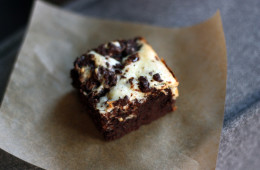 chocolate-cream-cheese-brownie