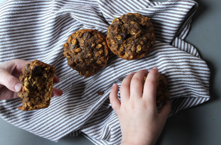 oatmeal-pumpkin-muffin-chocolate-chip