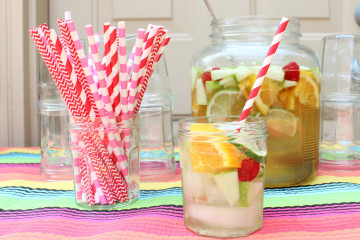 white-sangria-entertaining