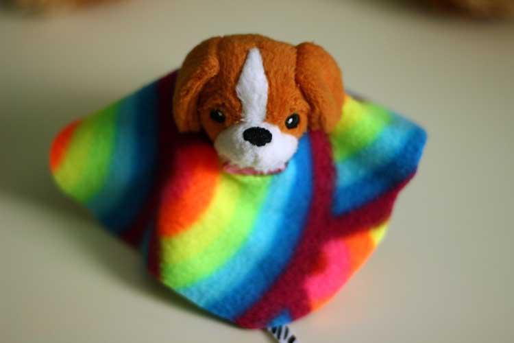 Fleece-poncho-DIY-dolls