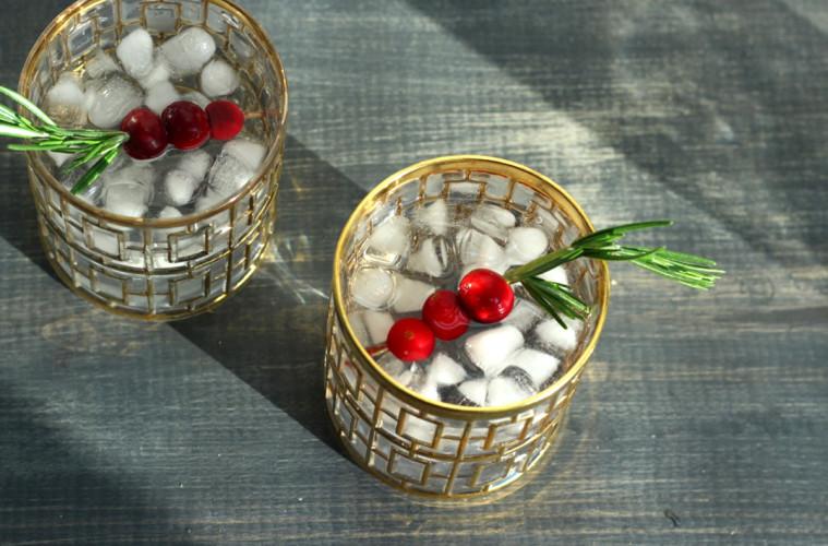 Rosemary-Vodka-Tonic-Pinnacle-Main