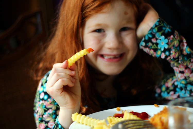 kid-loves-alexia-fries